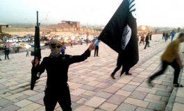 """Estado Islámico quemó miles de libros """"no islámicos"""" y demolió bibliotecas en Mosul"""