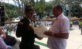 La Veterana 103.5 Fm condecoró a la Policía Nacional por sus 125 años
