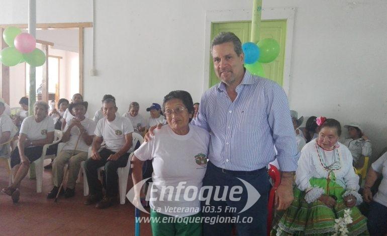 Abuelos de la Corporación Para Nuestra Colombia celebraron en grande!