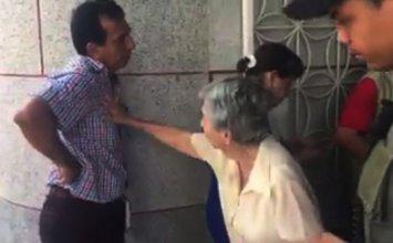 Personero de Puerto Berrio echa a la calle a su madre