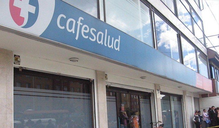 Plantón frente a sede de la EPS Cafesalud en Ibagué