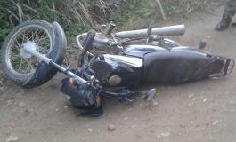 Accidente de dos motocicletas en zona rural del Líbano