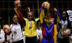 Ingrit Valencia, medallista olímpica, lleva experiencias deportivas a niños del IMDRI