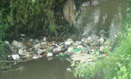 Tres toneladas de escombros y basuras se retiraron de la quebrada El Tejar